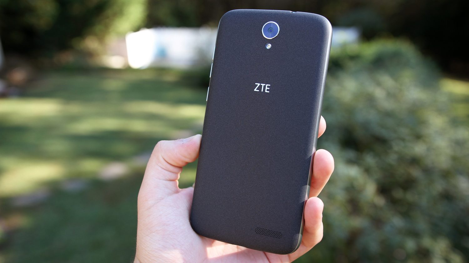 zte-self-adhesive-phone-anouncement